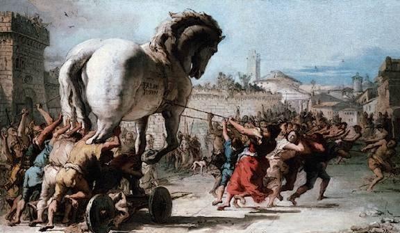 Imagen de la introducción del caballo de los griegos en la ciudad de troya